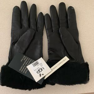 Women's UGG leather gloves
